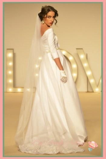 Vestido de novia con vuelo princesa de María Amador