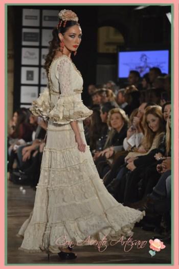 Lola Alcocer vestida de Raquel Terán en We Love Flamenco