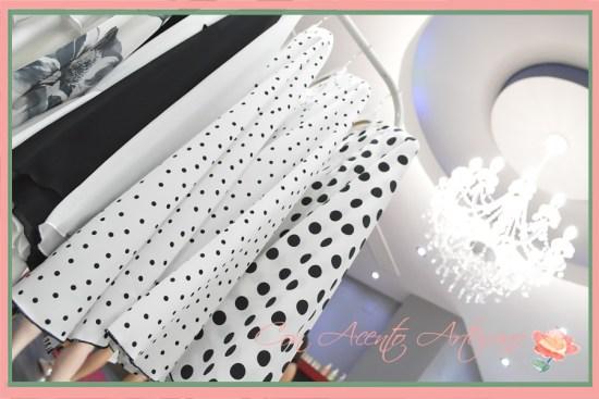 Zona expositiva en Centro estética y belleza Verónica Carrión de las prendas colección LaPaca Costura