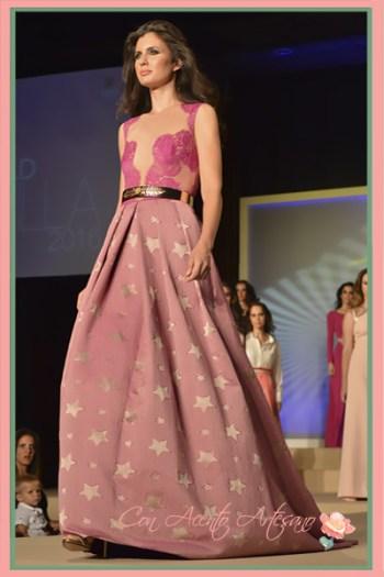 Vestido princesa en jacquard de seda de Ana Torres en Miss World Sevilla 2016