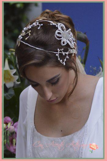 Diadema de perlas para novias de Taller de Diseño