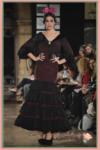 Traje flamenca con volantes de encaje de Carmen Fitz en We Love Flamenco