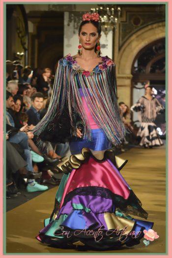 Flecos largos y flores bordadas para traje de flamenca multicolor de El Ajolí
