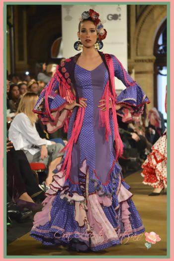 Lunares en azul para traje de flamenca en evasé de Taller de Diseño