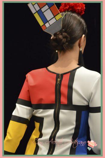 Detalle de la espalda del traje de flamenca de Ángeles Gálvez inspirado en Composición II de Mondrian