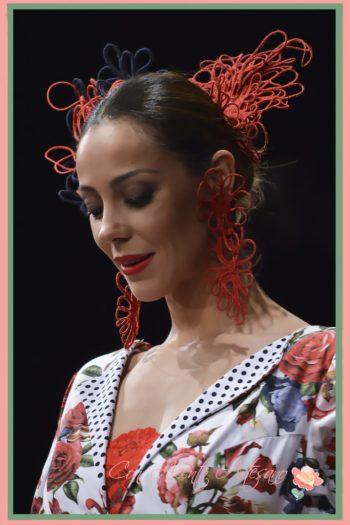 Peinas y pendientes flamencos en forma de bucles de Loletesdebú en SIMOF 2017