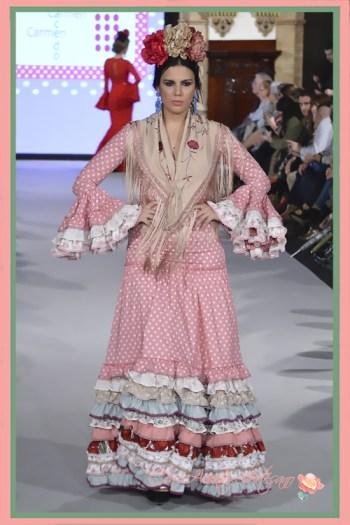 Traje de flamenca de lunares etilo años cuarenta de Carmen Acedo