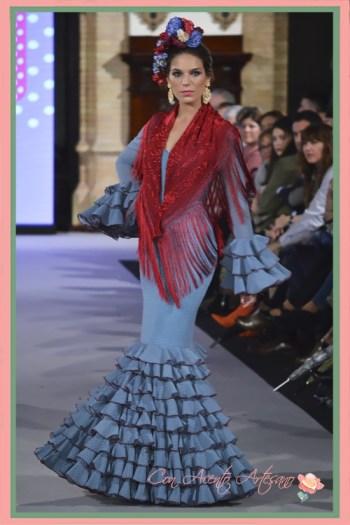 Traje de flamenca de silueta sirena con vuelo de volantitos pequeños de Carmen Acedo en We Love Flamenco 2018