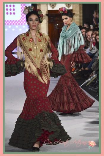 Trajes de flamenca canasteros de Carmen Acedo en tonos vino