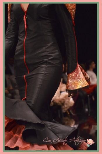 Traje de flamenca negro con cremallera de Francisco Tamaral en SIMOF2018