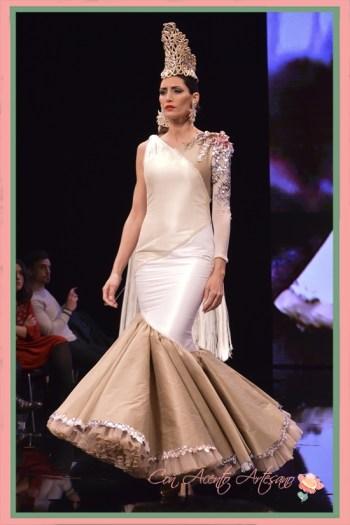 Vestido de flamenca de vuelo de capa de Francisco Tamaral