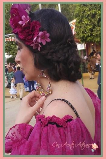 Espalda en uve del traje de flamenca buganvilla de Aurora Gaviño