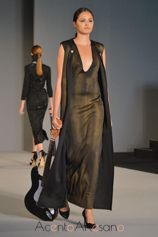 Vestido de novia en negro de Tania Cantero