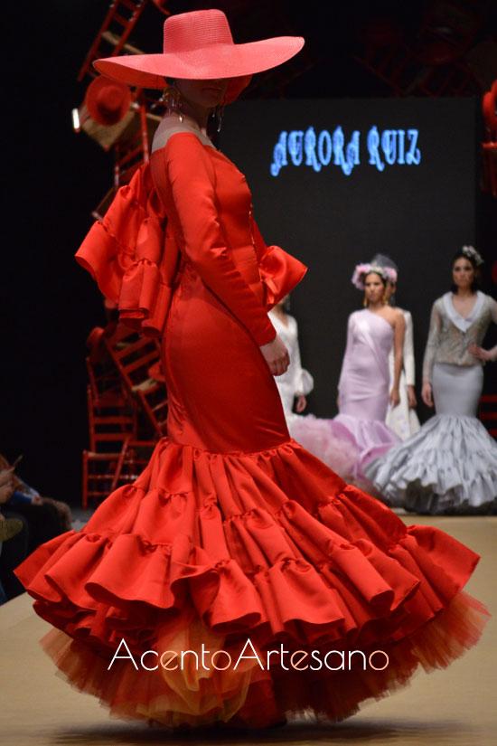 Traje de flamenca rojo de Aurora Ruíz