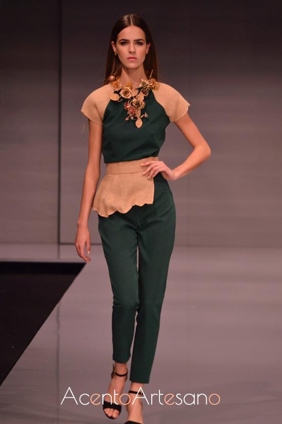 Dos piezas de pantalón pitllo de Fiorella Baruffaldi