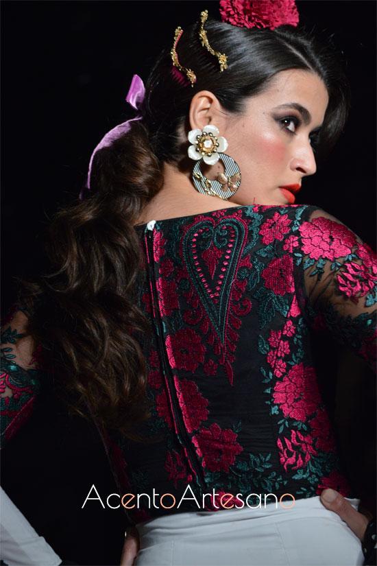 Tejidos semitransparentes bordados para trajes de flamenca de El Ajolí