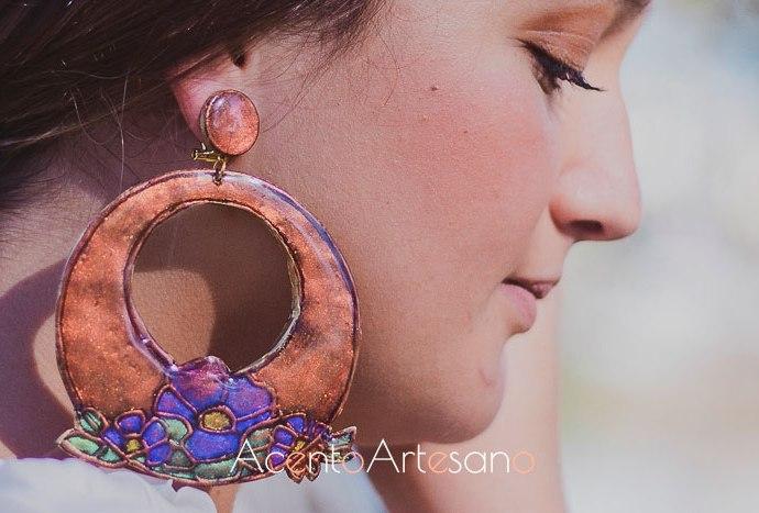 Nueva colección de pendientes de flamenca de arcilla de Verónica Sánchez
