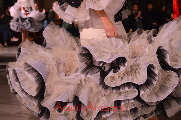Volantes de traje de flamenca de Victoria García para la Romería de la Virgen de la Cabeza