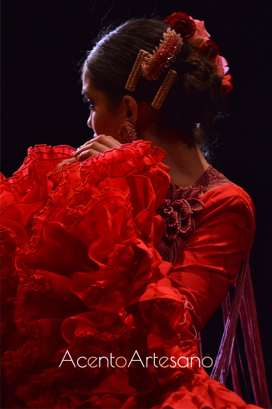 Mangas de traje de flamenca rojo de Cristina Vázquez