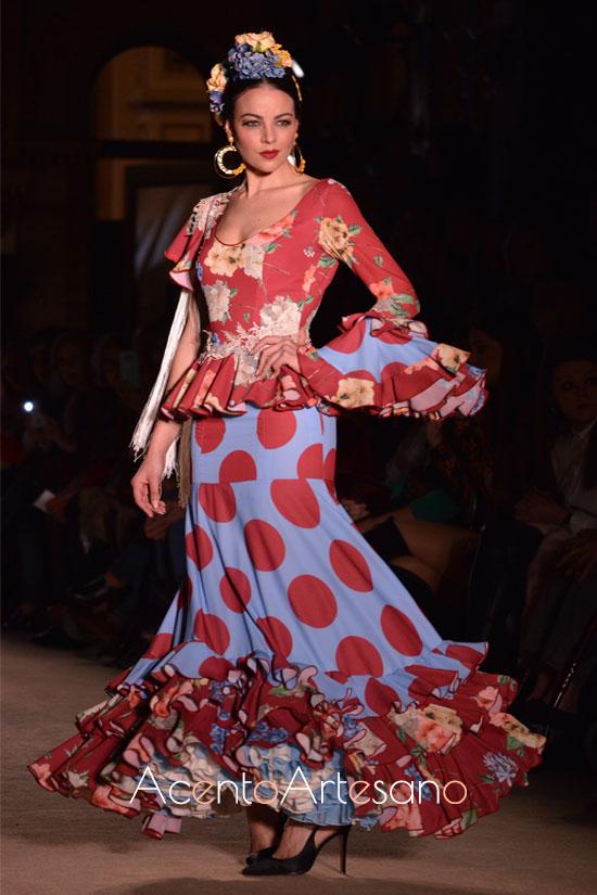 Traje de flamenca de dos piezas de flores y lunares de El Madroñal
