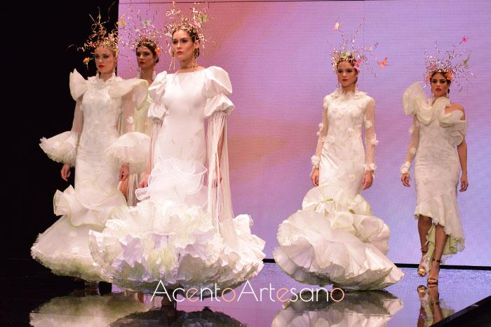 Mini colección de trajes de flamenca blancos de Francisco Tamaral en SIMOF 2019