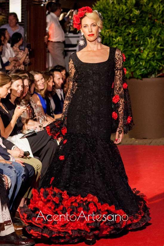 Traje de flamenca negro de encaje de Atelier Rima