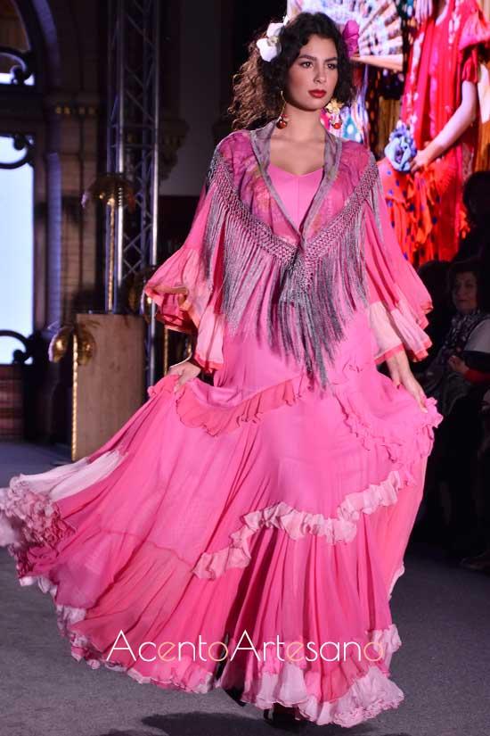 Traje de flamenca rosa de Ángela y Adela