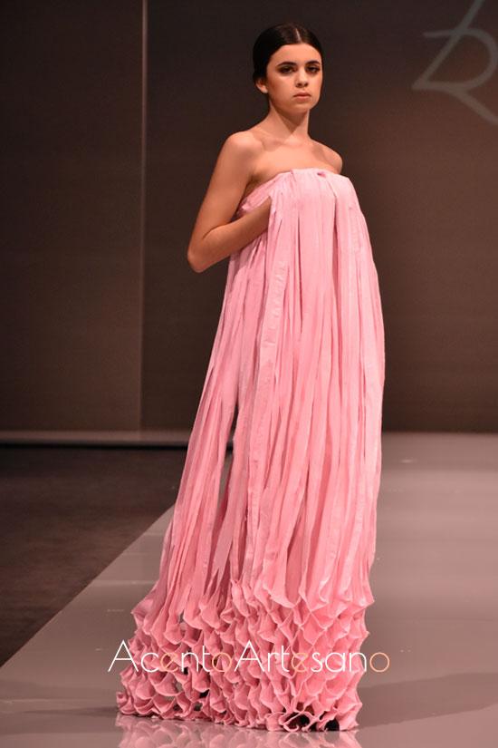 Vestido de fiesta en rosa de De la Rosa
