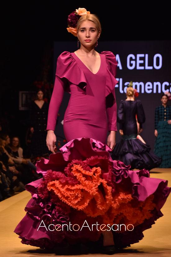 Traje de flamenca en buganvilla de Inma Gelo