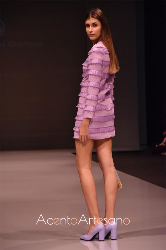 Vestido Twiggy con carruchas horizontales de Rocío Ballesteros