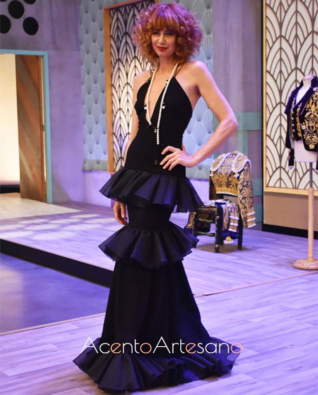 Esther Arroyo vestida de Cristo Báñez en el prorgrama número 4 de Aguja Flamenca