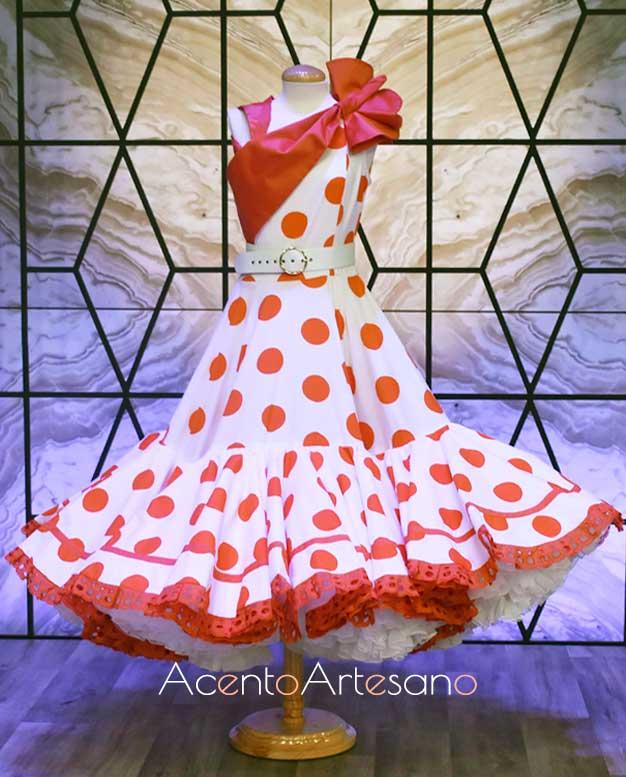 Traje de flamenca estilo Marisol de Antonio Gutiérrez como vestido inspiración en Aguja Flamenca