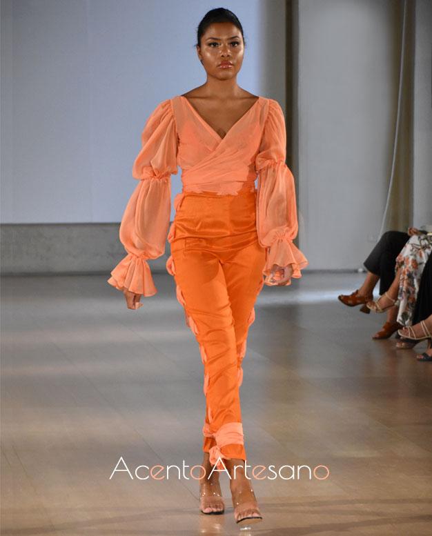 Dos piezas, camisa y pantalón, para estilismo naranja de Consuelo García