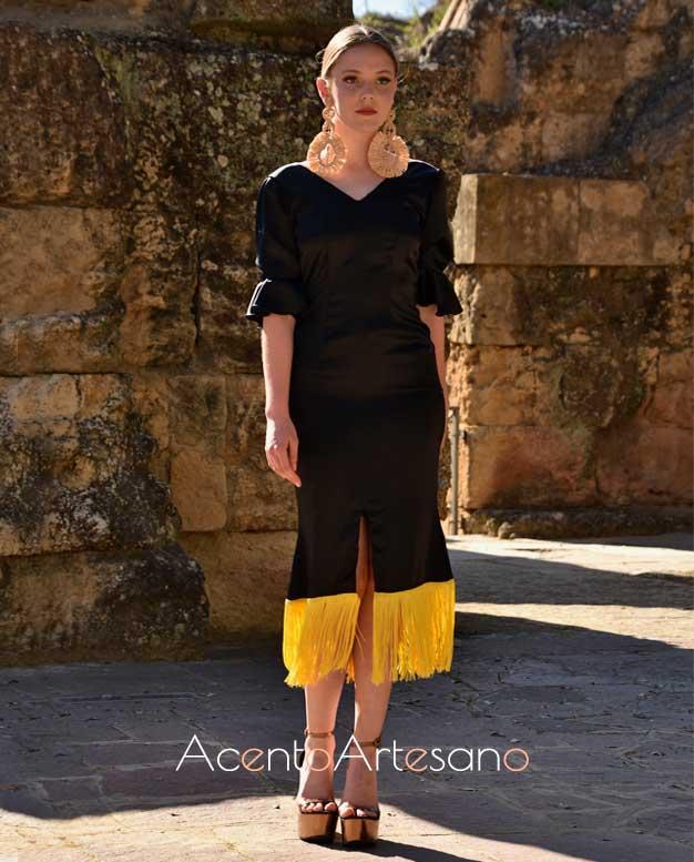 Vestido negro de largo midi de Buena Bandida