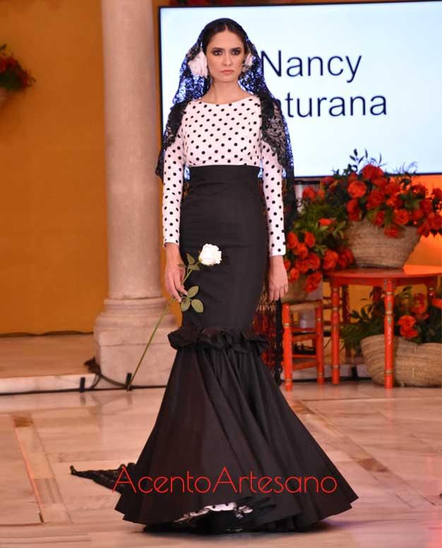 Traje de flamenca de dos piezas que viene a ser una singular propuesta de novia flamenca de Nancy Maturana