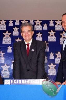 RAFAEL LORET DE MOLA PLASMÓ SUS HUELLAS EN GALERIA DE LAS ESTRELLAS (115)