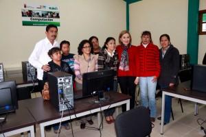 Inaugura-presidenta-del-DIF-y-Enoc-Hernandez-Unidad-de-ICATECH-2