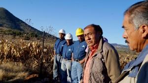 Mario-García-Montesinos--da-banderazo-de-inicio-a-obra-de-electrificación-en-Chachoapam-1