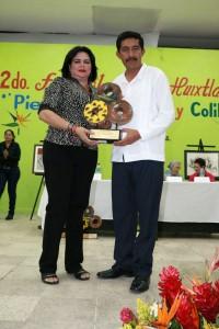 """Otorgan-premio-""""Jaguar-y-Ámbar-del-Soconusco""""-al-Director-General-del-ICATECH-2"""