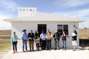 VICENTE-ESTRADA-INIESTA-ENTREGA-LA-PRIMERA-DE-200-CASAS-A-POBLADORES-DE-ALMOLOYA-DE-JUAREZ-1