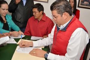 ADOLFO-SOLIS-GÓMEZ-SE-REGISTRA-COMO-PRECANDIDATO-A-PRESIDENTE-MUNICIPAL-POR-ALMOLOYA-DE-JUAREZ-2