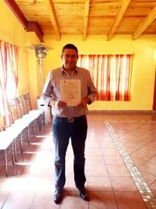 Entregan-constancia-de-mayoría-al-candidato-Priista-Adolfo-Solís