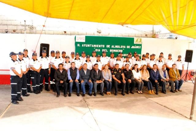EN-ALMOLOYA-DE-JUÁREZ-VICENTE-ESTRADA-CELEBRA-A-LOS-BOMBEROS-EN-SU-DÍA-2