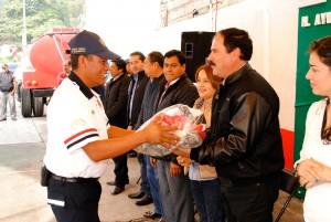 EN-ALMOLOYA-DE-JUÁREZ-VICENTE-ESTRADA-CELEBRA-A-LOS-BOMBEROS-EN-SU-DÍA-3