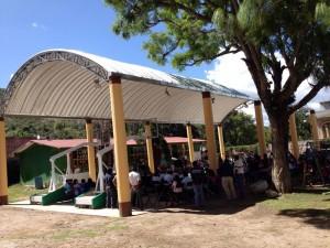 "Estrena-techado-de-plaza-cívica-Jardín-de-Niños-""Cristóbal-Colon""-en-Etlatongo-2"