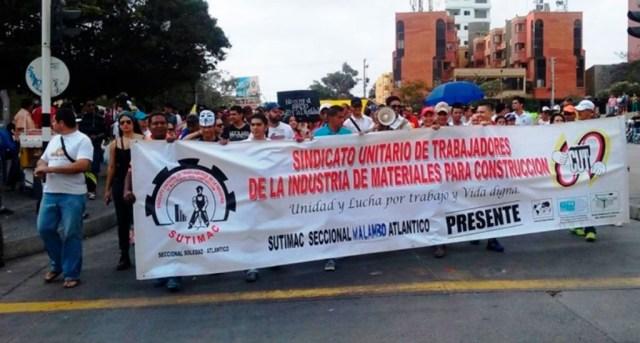 ANDAN-EN-COLOMBIA-LOS-MEDIOS-CON-MIEDOS-EN-EL-MEDIO-1