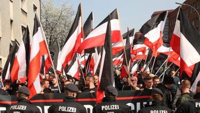 1000 Ethno-Nationalisten in Dortmund für ein weißes Europa