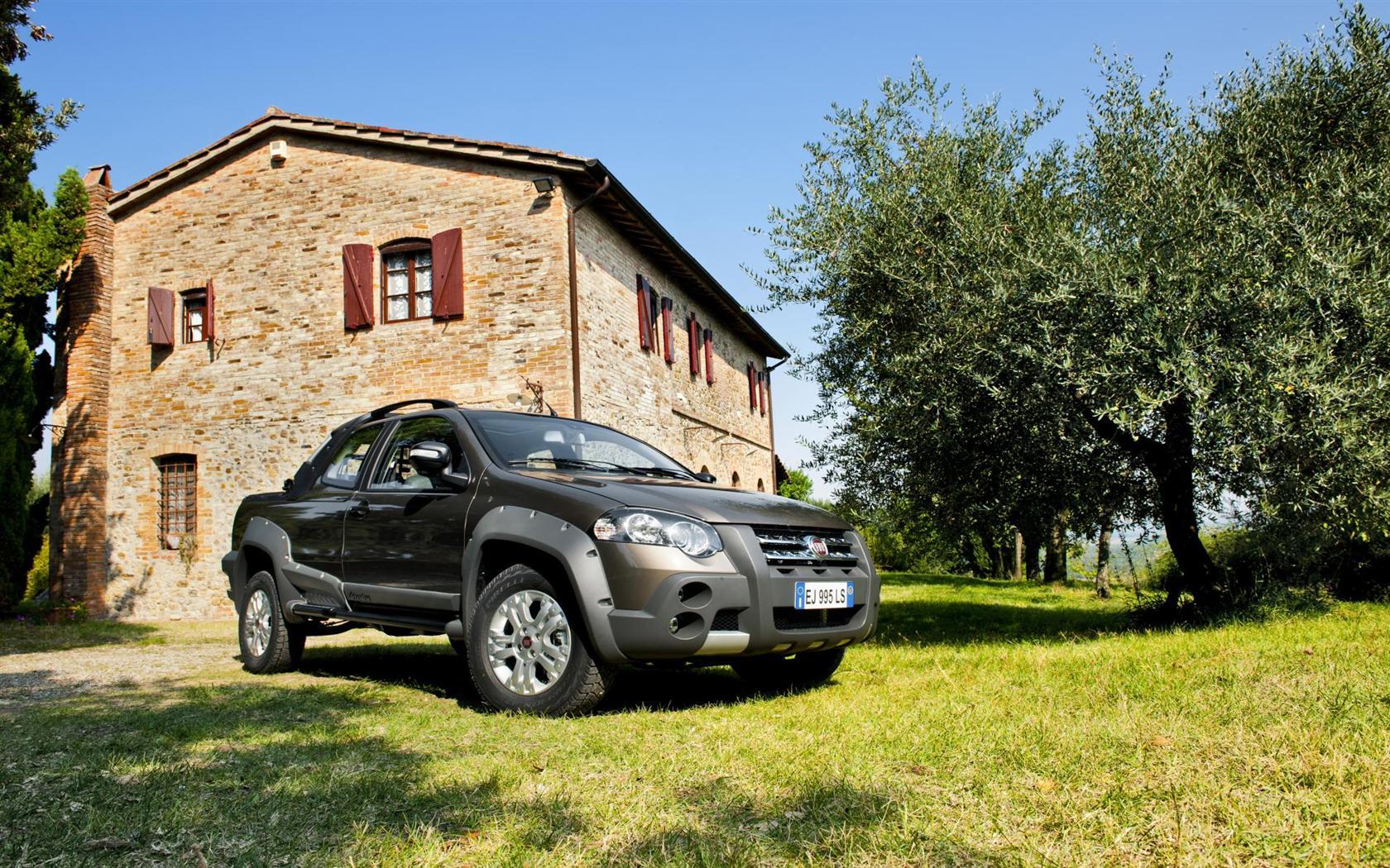 2013 Fiat Strada Image