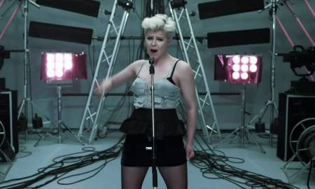 Robyn and Röyksopp Set Join Outing