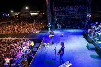Lee Brice live at Sunfest 2015 in Duncan, BC © RMS Media